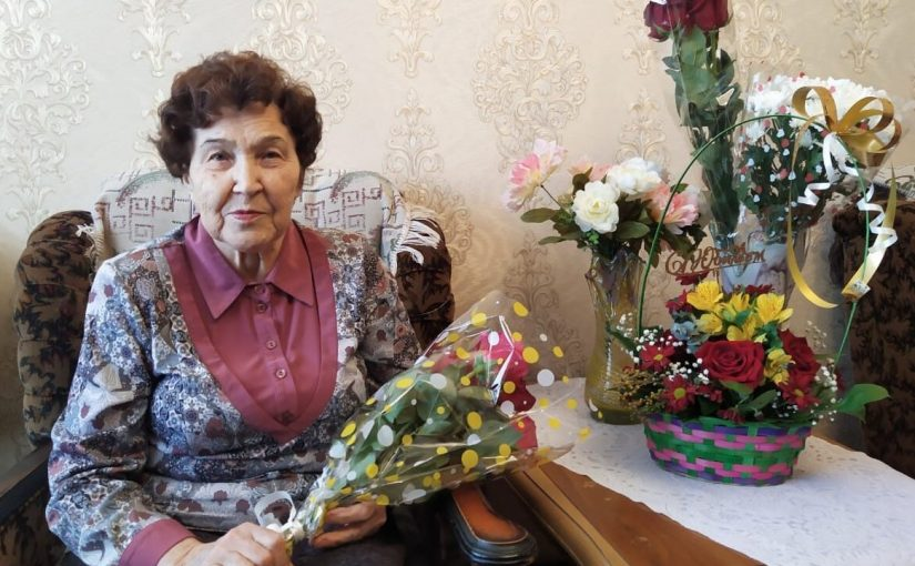 80- летний юбилей отмечает жительница города Нариманова.