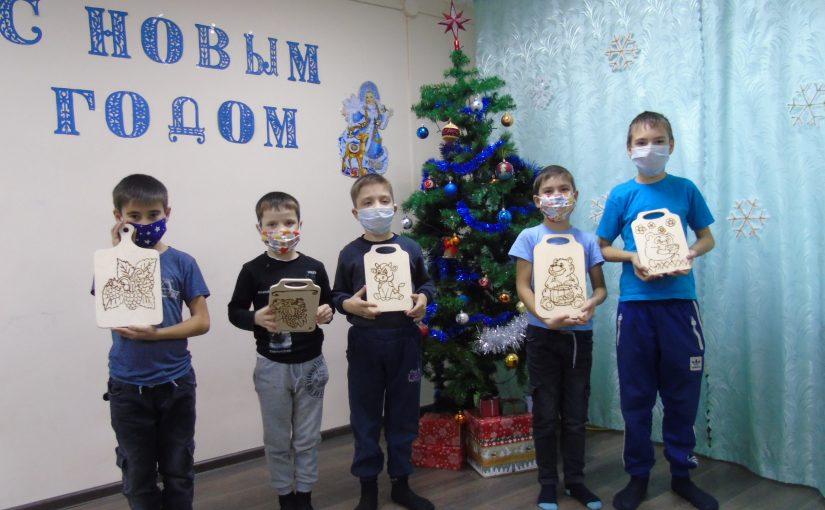 Дети Наримановского района постигают азы пирографии